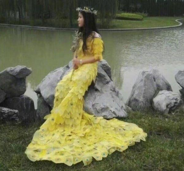 gerçek yapraklarla elbise