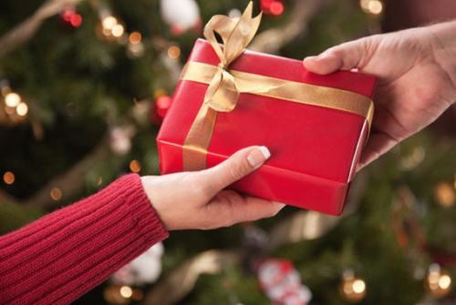 yılbaşında sevgiliye ne hediye alınır