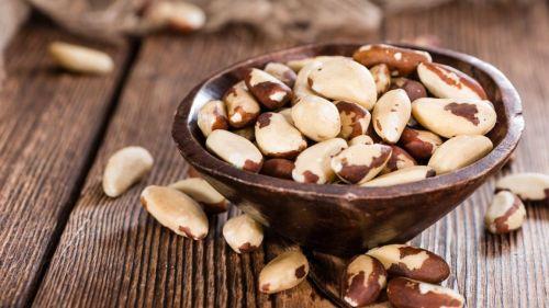 regl ağrısına iyi gelen besinler brezilya fındığı