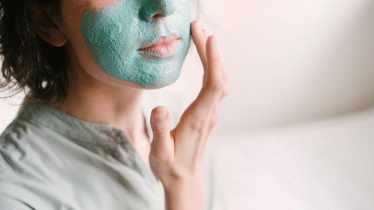 Kuru Ciltler İçin Evde Nemlendirici Maske Önerileri