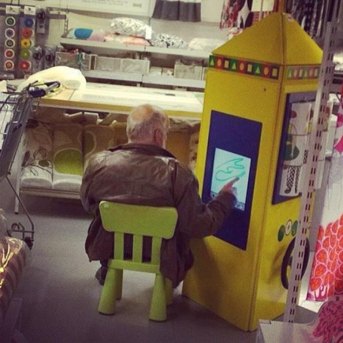 erkekler alışveriş merkezinde ne yapıyor